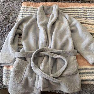 VS Comfy Plush Short Robe